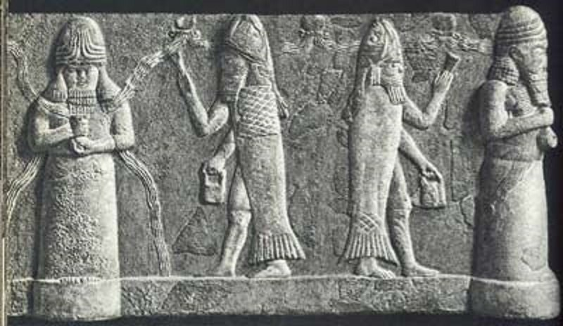 los dioses y su extraño bolso