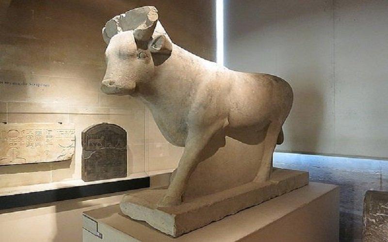 toro de Serapeum de Saqqara