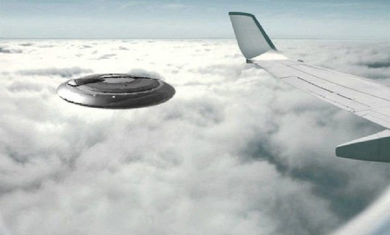 OVNI voló sobre DOS jets de pasajeros de EE.UU.