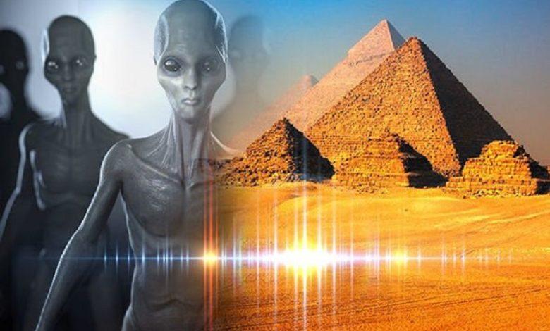 La velocidad de la luz es la prueba final de que los alienígenas construyeron pirámides