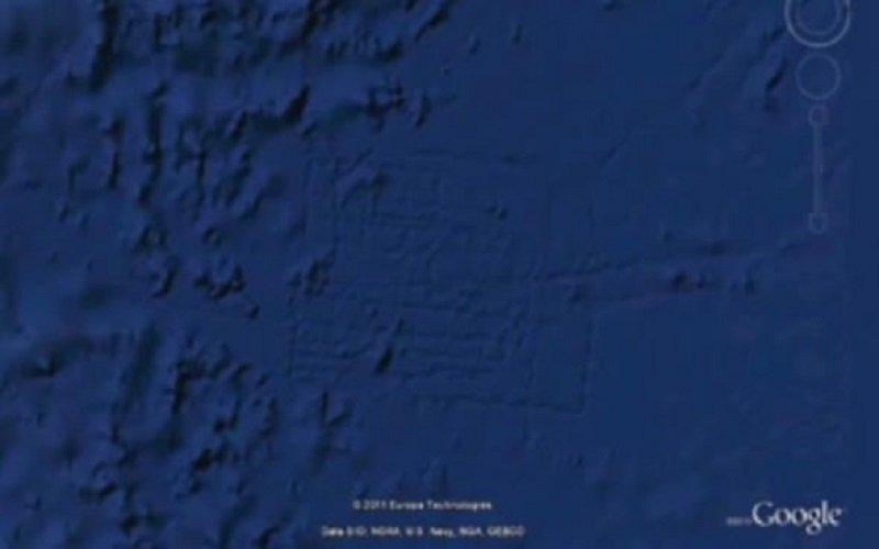 Estructura misteriosa vista en el océano