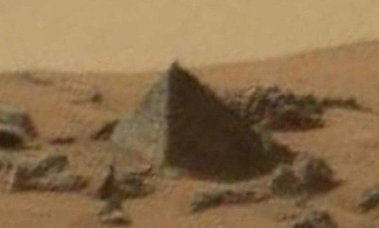 Encontraron una pirámide en Marte