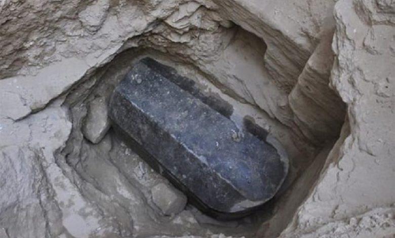 Enorme sarcófago descubierto en Egipto deja desconcertados a los historiadores