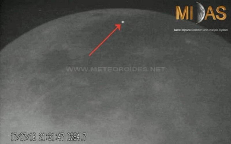 ovnis en el lado oscuro de la luna