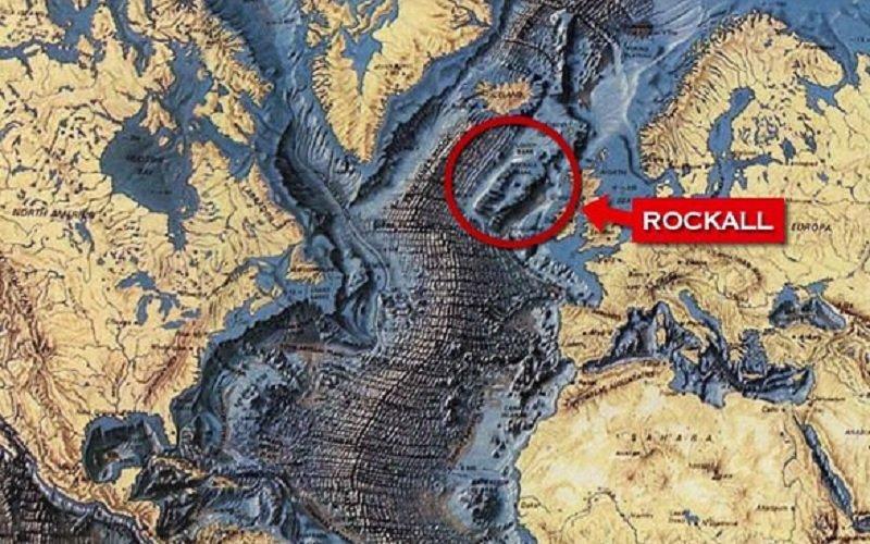 atlantis-La ubicación de Rockall en comparación con el Reino Unido