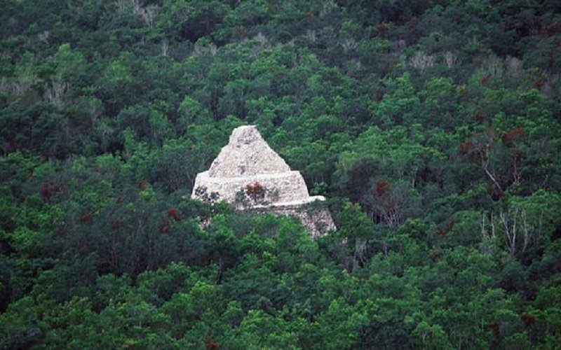 Coba-is-an-ancient-Mayan-settlement