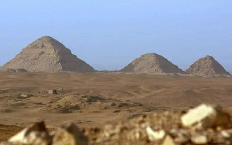 piramides de Saqarra