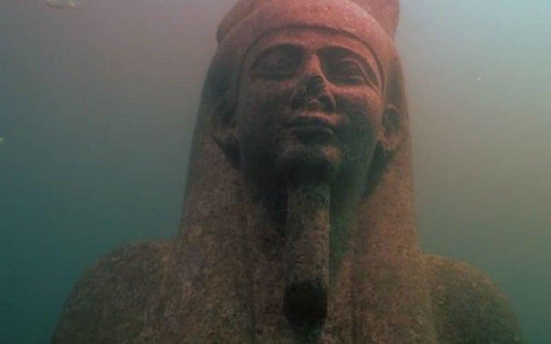 estatua de la ciudad del faraon