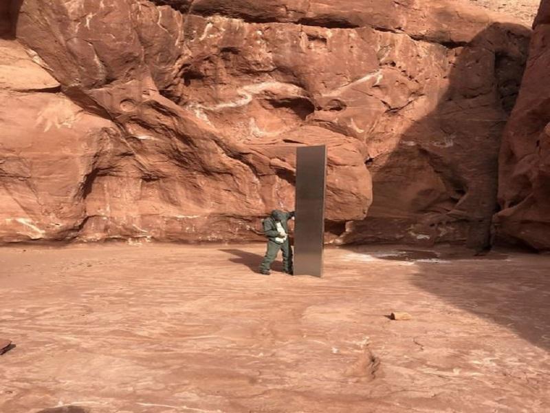 El misterioso monolito en el desierto de Utah 1