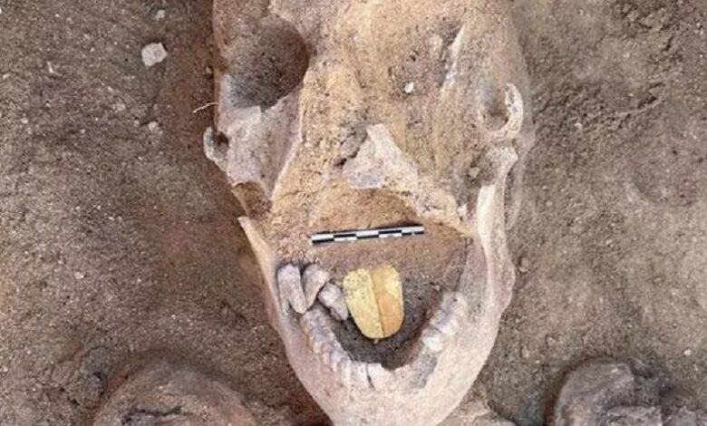 Se descubrió una momia del antiguo Egipto con lengua de oro